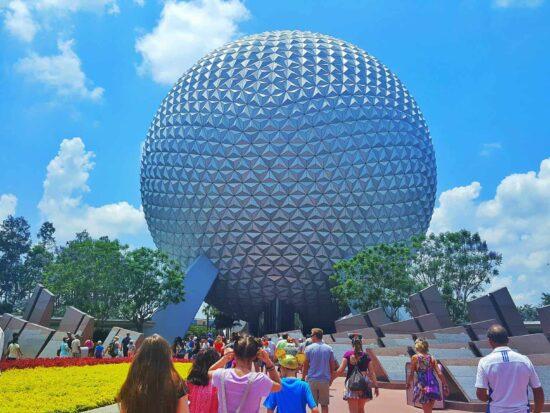 6 Magical Ways to Make Your Day at Disney Extra Romantic | Walt Disney World Tips | Disney For Adults | Follow Me Away Travel Blog