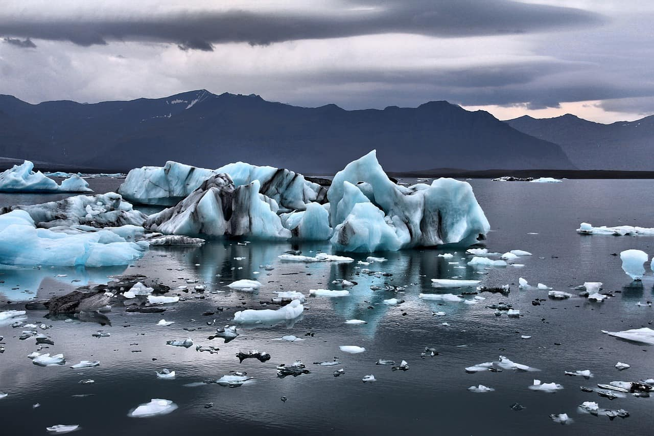 See the glacier lagoon during your 5 day iceland road trip itinerary