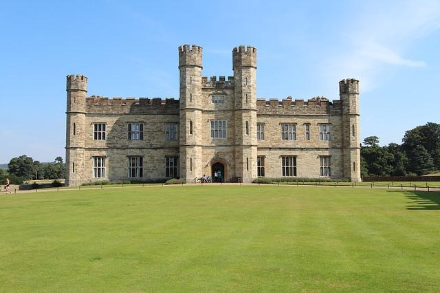 Top 5 Best Castles In England Straight Out Of A Fairytale   Best Castles In The UK   Top Medieval Castles In England   Best castles in london