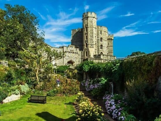 Top 5 Best Castles In England Straight Out Of A Fairytale | Best Castles In The UK | Top Medieval Castles In England | Best castles in london