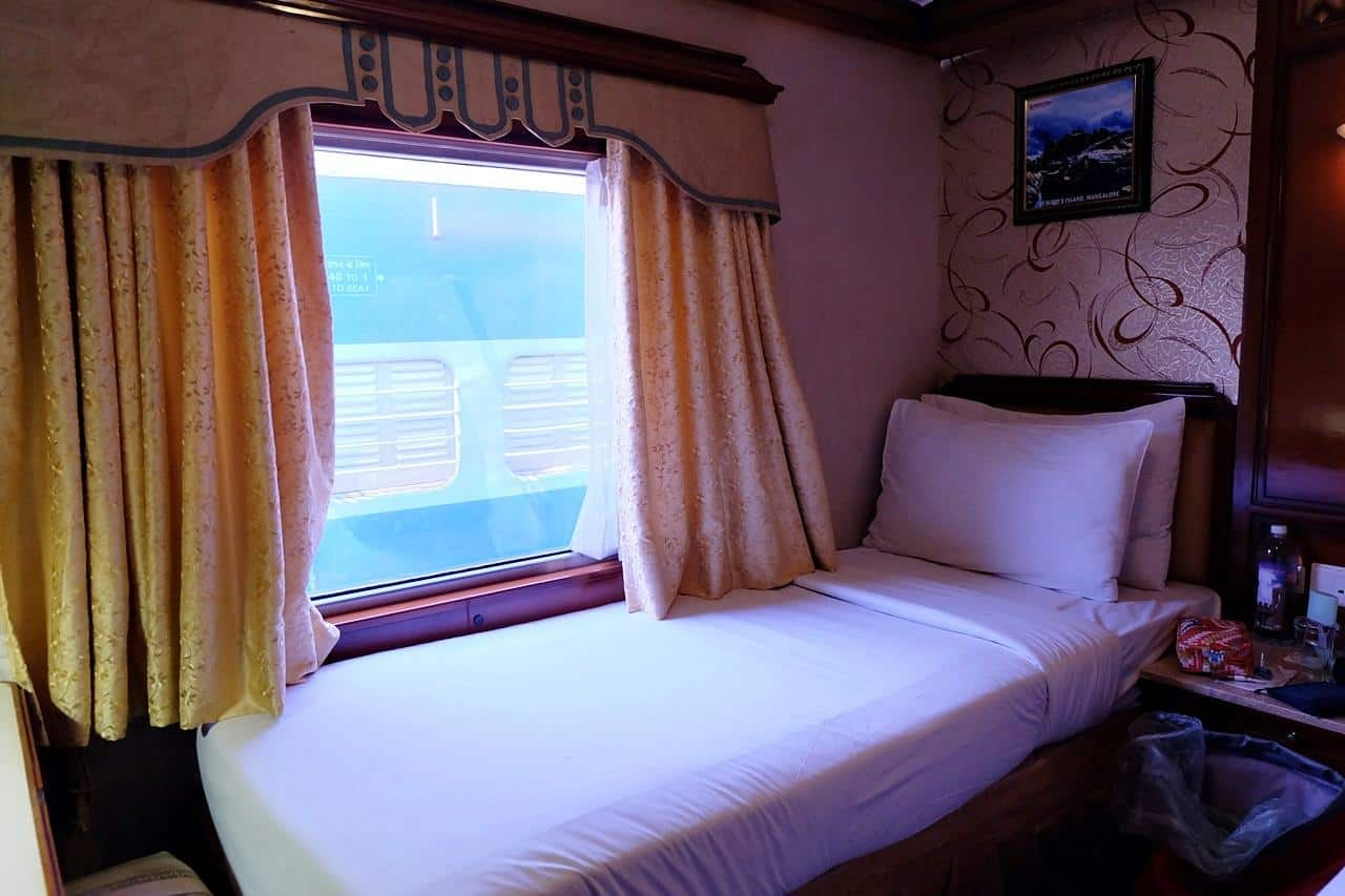 luxury trains in india golden chariot