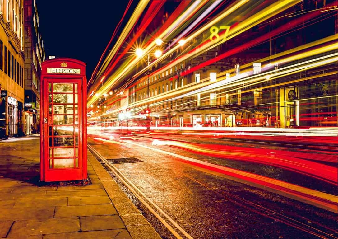 explore london at night during your london itinerary