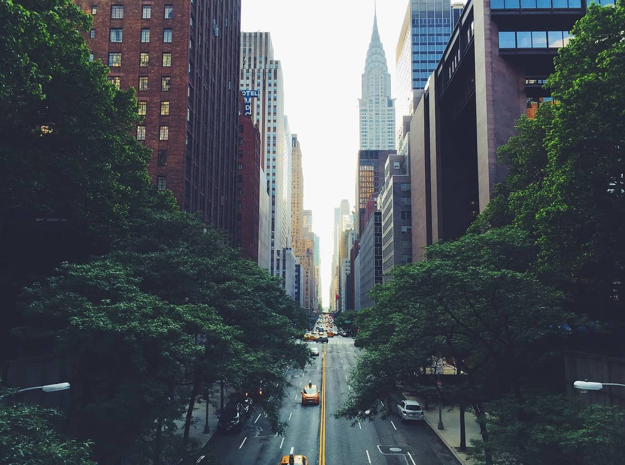 best NYC photography locations and how to find them | tudor city bridge in NYC | instagram locations in nyc