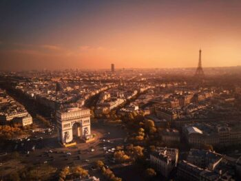 10 Stops To Include On The Perfect Paris Itinerary | Arc De Triomph and Eiffel Tower