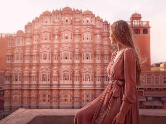 What To Wear In India: India Packing List For Women | Pink building in Jaipur | Jaipur pink building in India