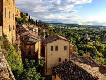 visit cliffside cities on tours in Tuscany Italy