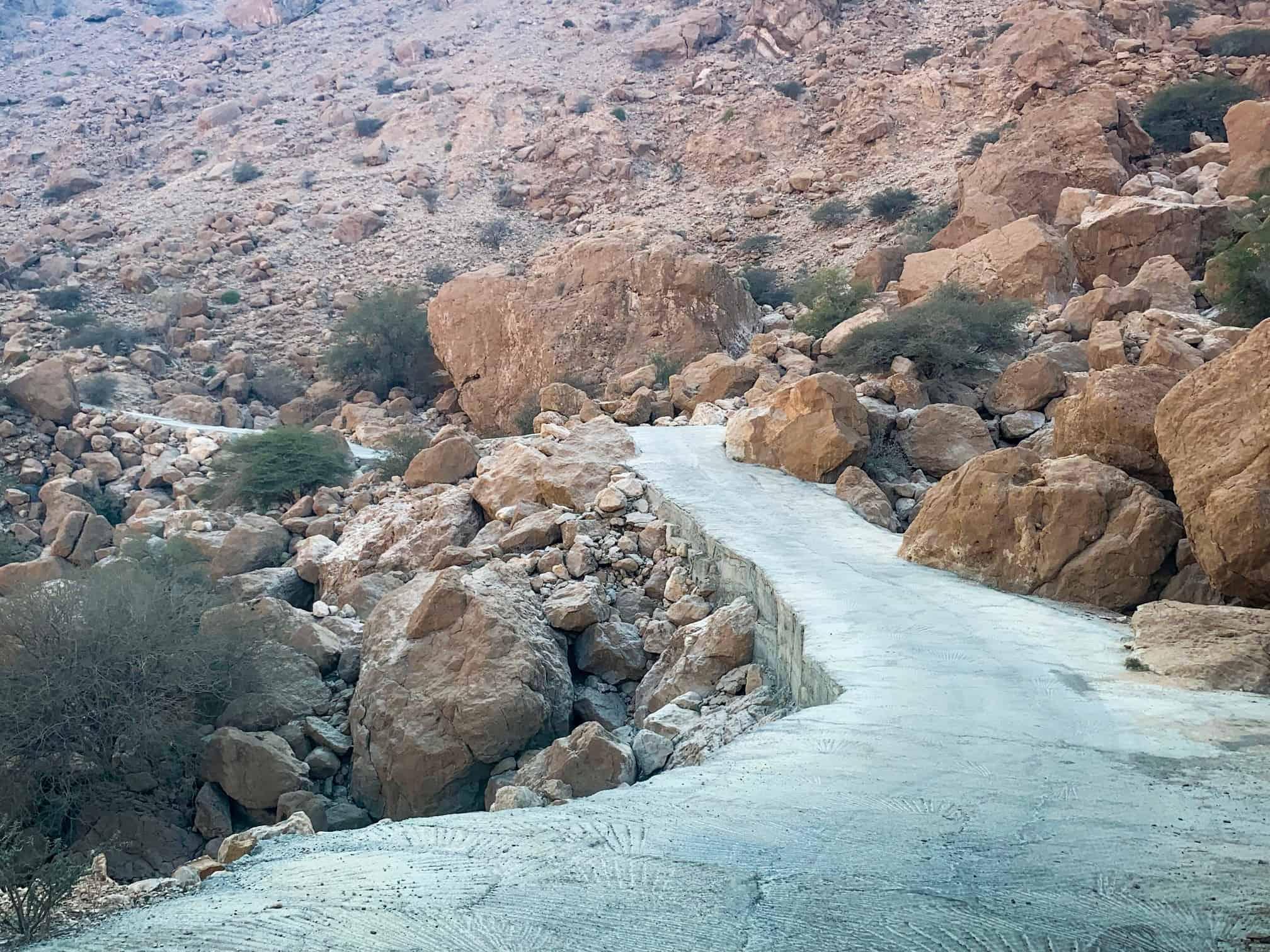 The narrow mountain road in Wadi Tiwi