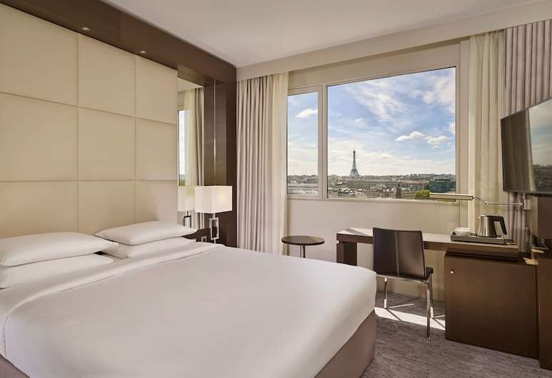 The Hyatt is the only skyscraper hotel in Paris, offering great views in every room!