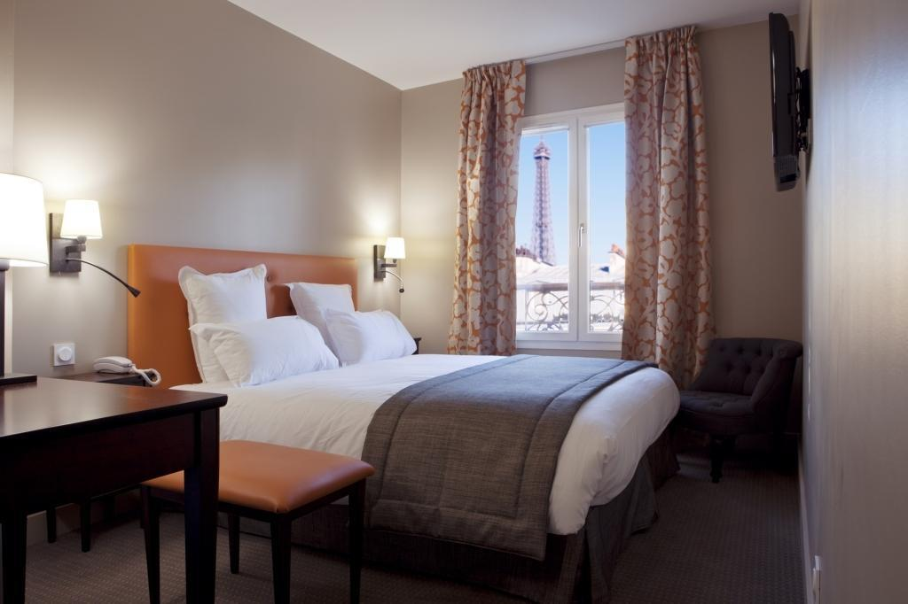 The Hotel Le Relais Saint Charles is great for pleasure or business traveling and offers great views!