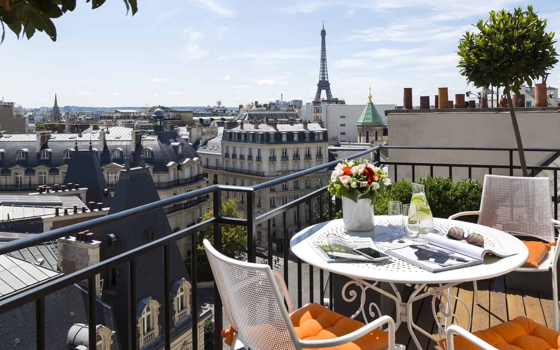 Hôtel San Régis is one of the hotels in Paris with Eiffel Tower Views and is in an mansion