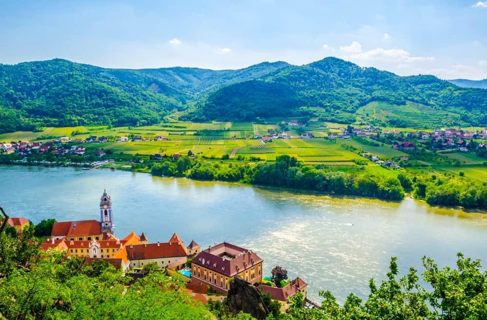 river valley durnstein