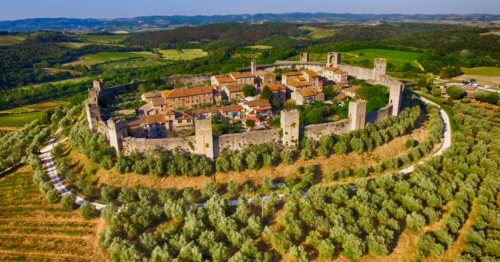 Monteriggioni is a random but great tuscany road trip stop