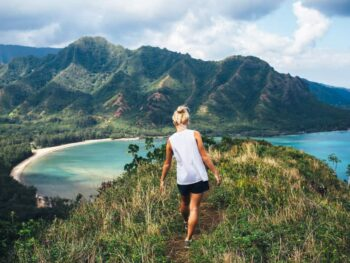 Hawaii Packing Lists must include reusable water bottles so you stay hydrated on gorgeous hikes!