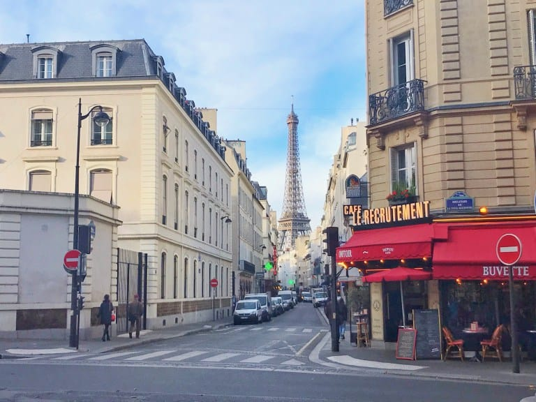 cafe in Paris with eiffel tower in background