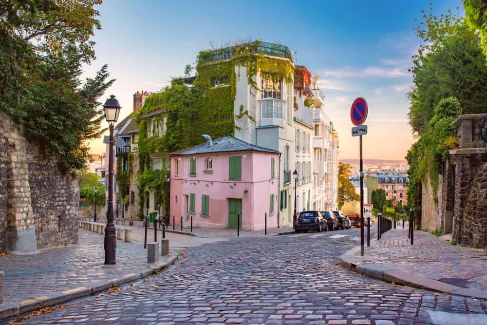 la maison rose french cafe at sunset