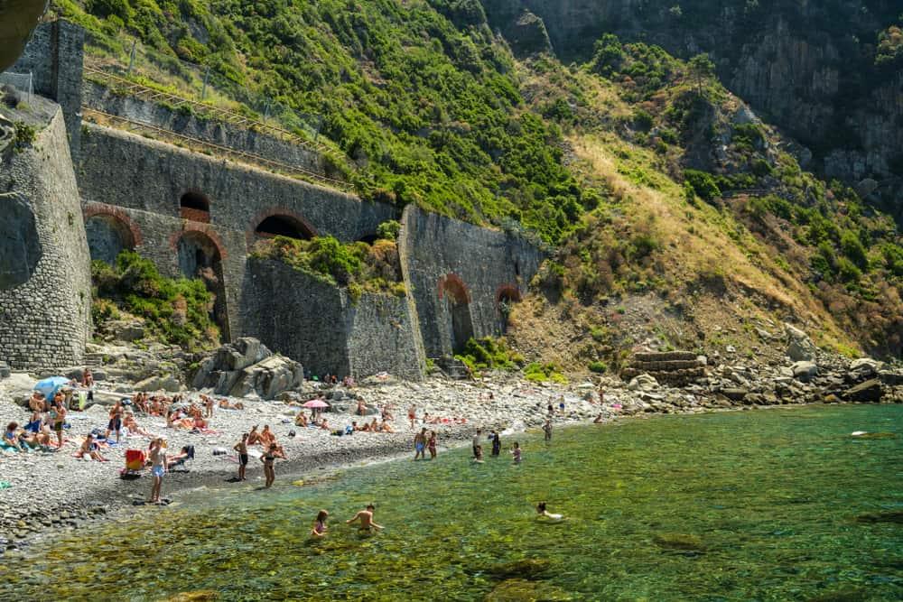 Photo of one of the rockier Cinque Terre beaches, La Fossola