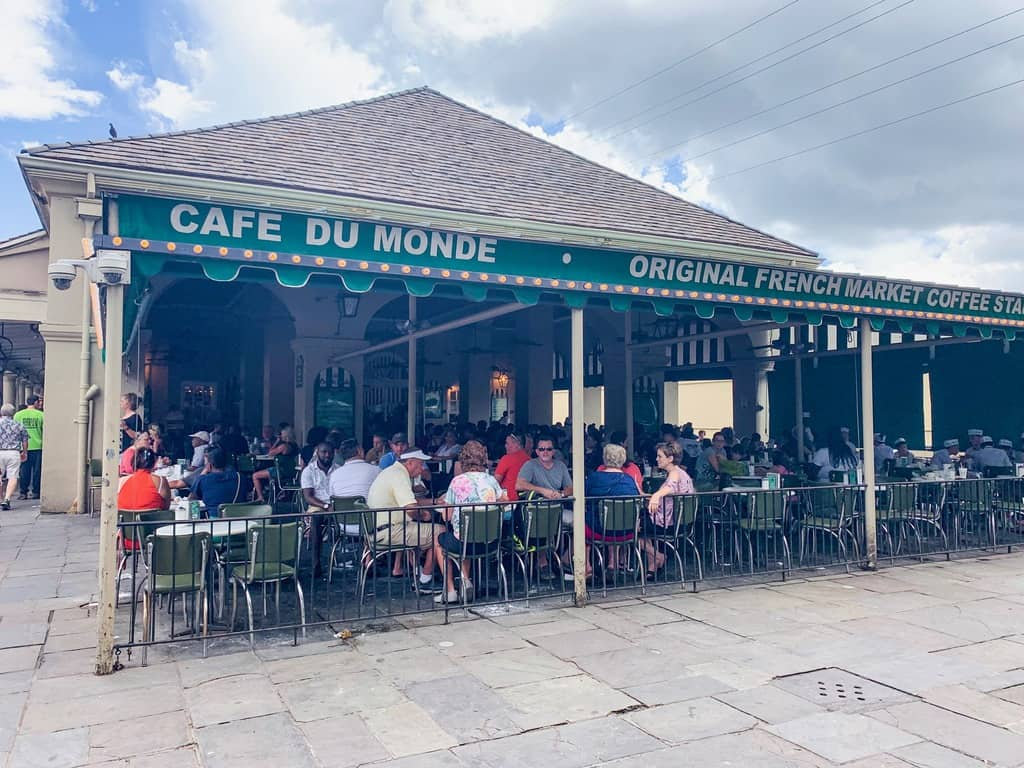 Visit Cafe Du Monde on your 3 days in New Orleans itinerary