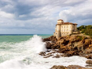 Castle on rocky cliff things to do in Italy