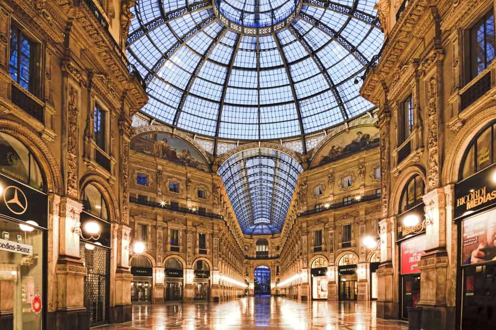 Vittorio Emanuele I mall in Milan things to do in Italy