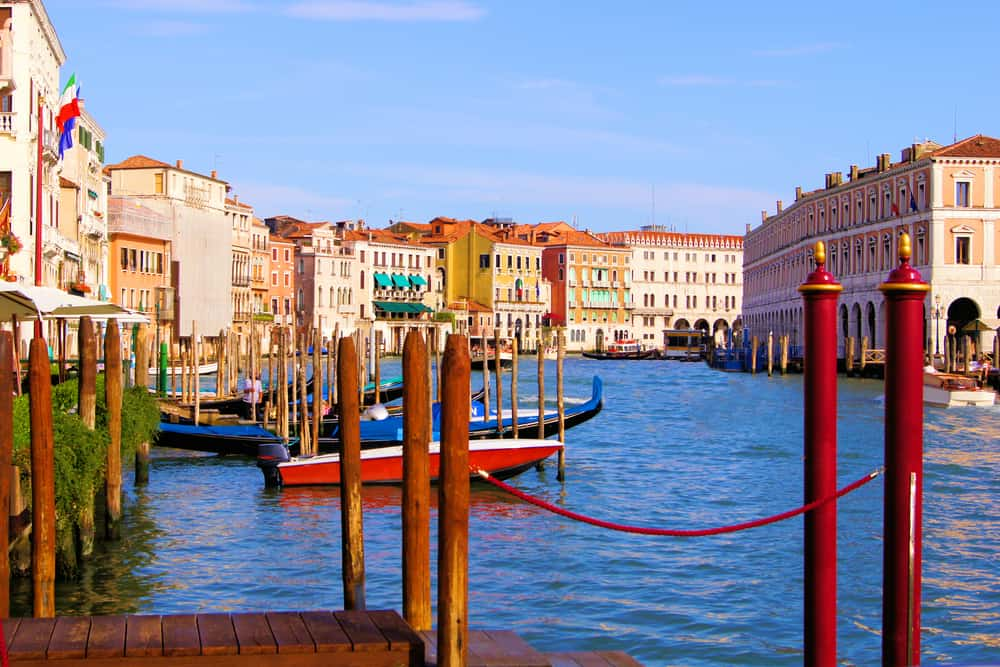 A beautiful view of a canal in Cannaregio, a great choice of where to stay in Venice