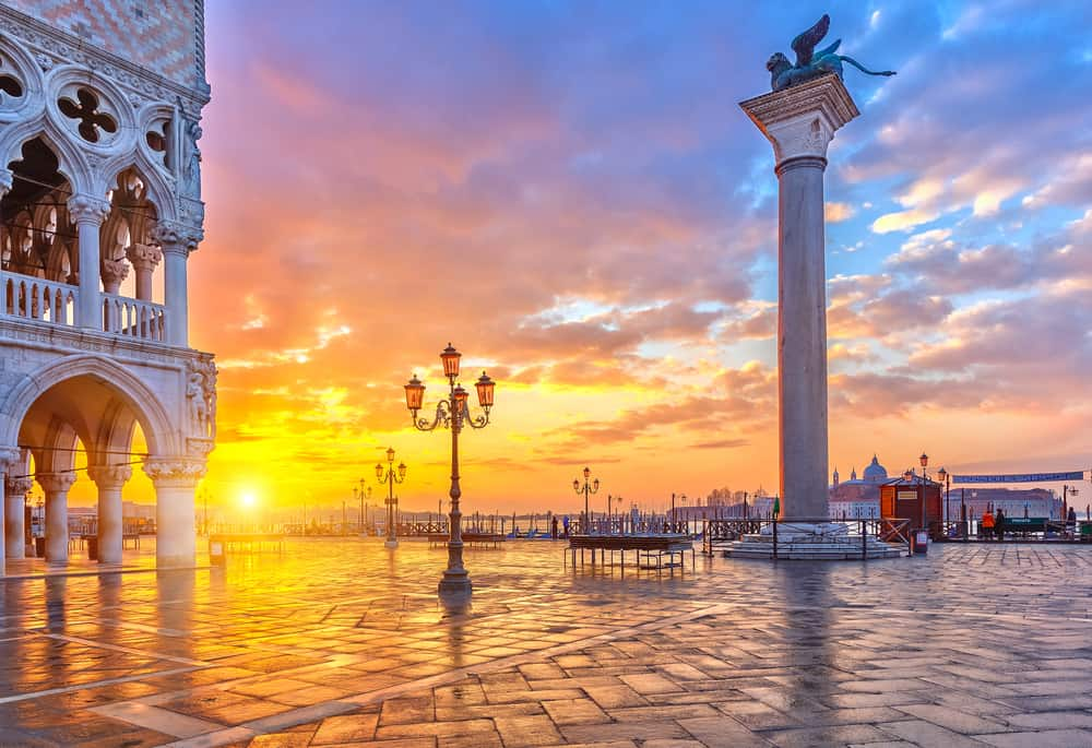 Sunset in San Marco, a beautiful choice of where to stay in Venice!