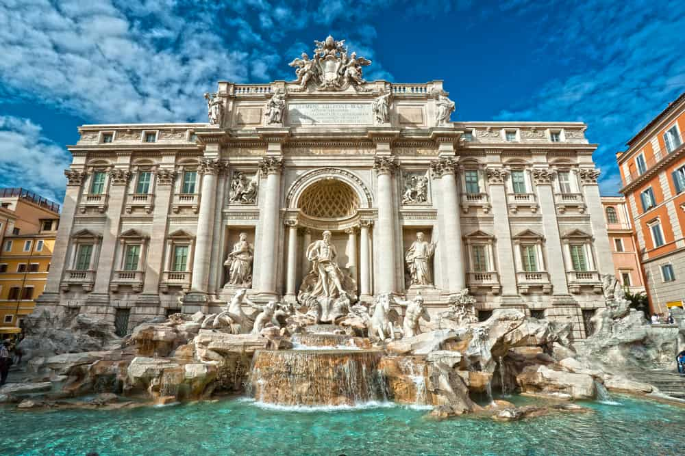 Some of the best neighborhoods in Rome are within walking distance from Trevi Fountain