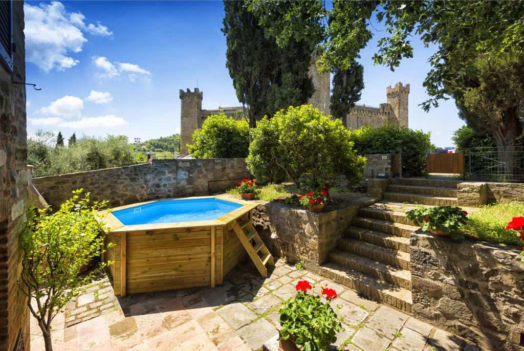 Have a view of a fortress if you stay at Villa Piazza Della Fortezza