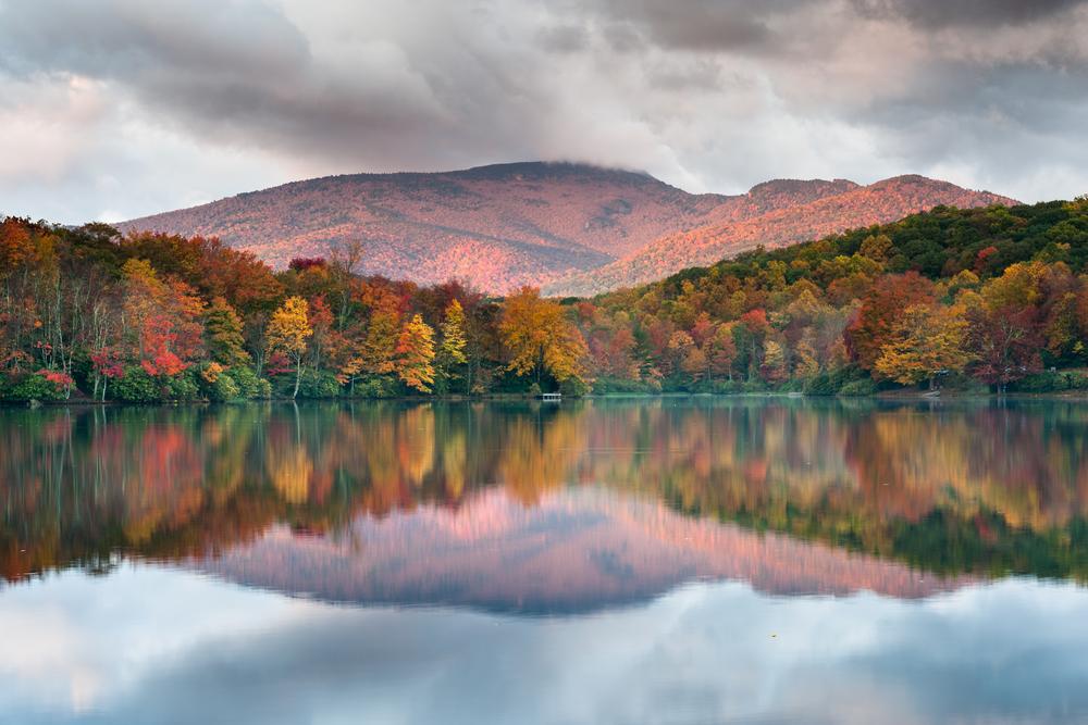 fall foliage on a lake in North Carolina