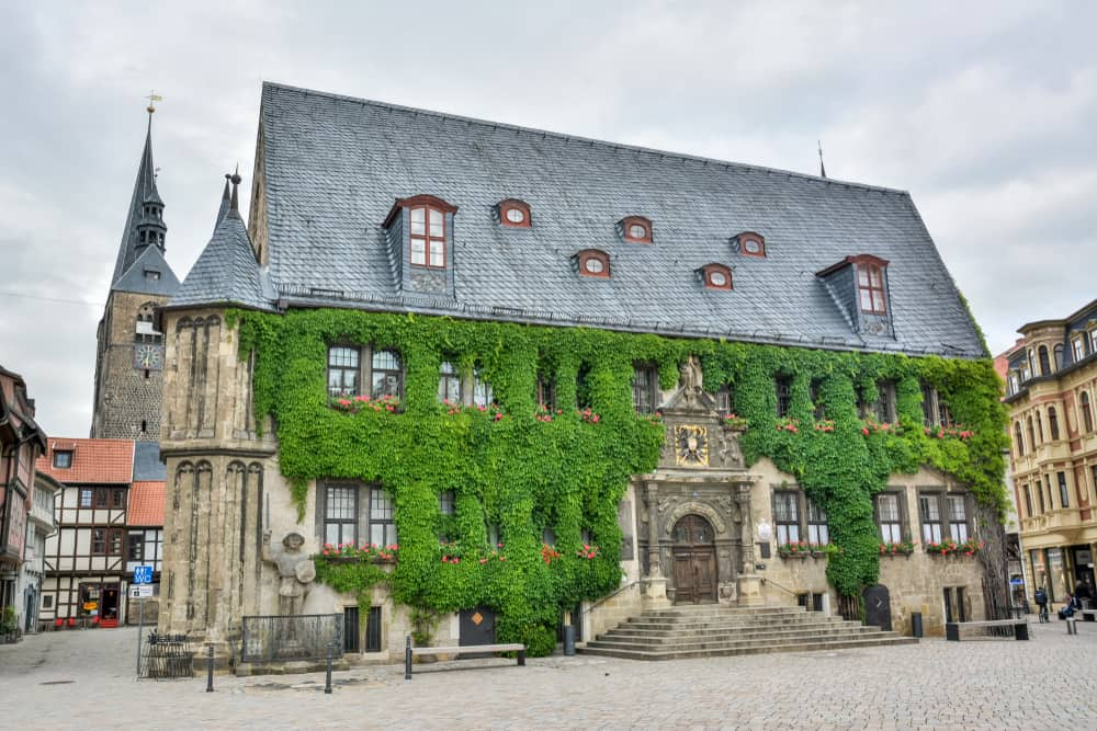 There are beautiful buildings in Quedlinburg