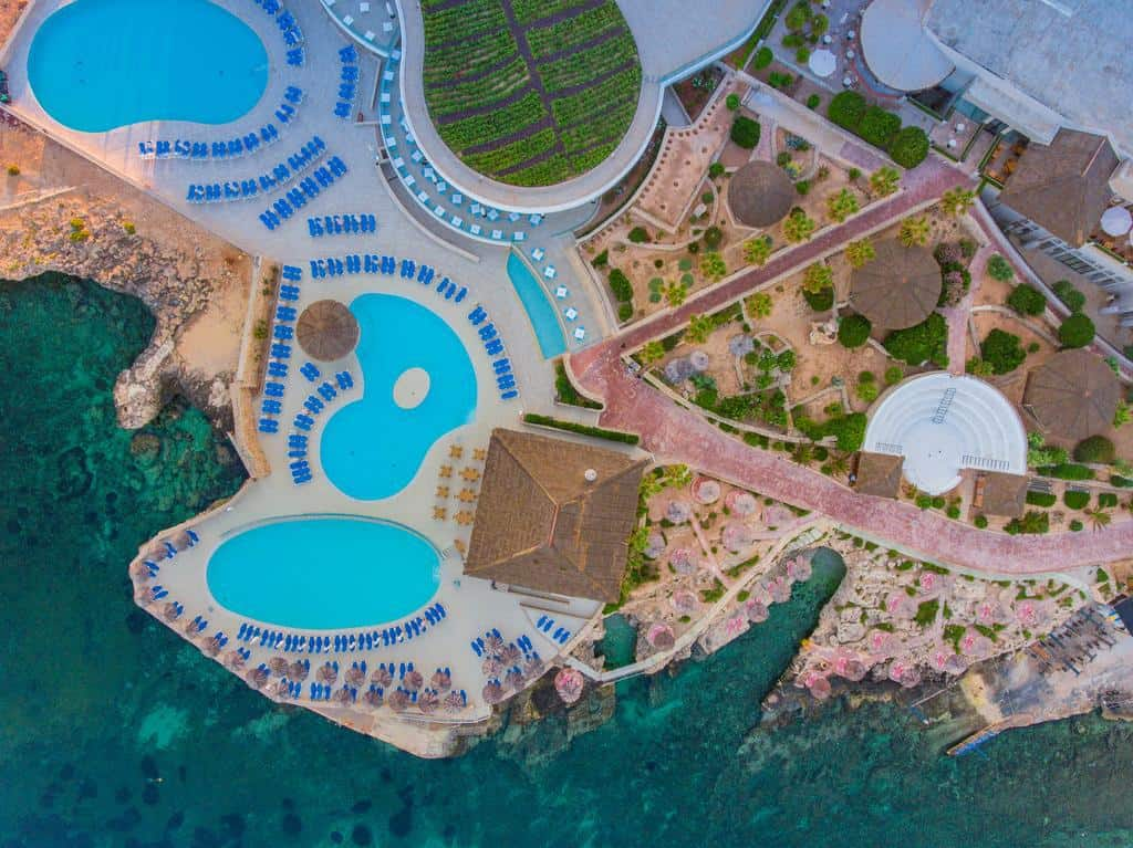 where to stay in malta for the best beachs is Mellieha at the Ramla Bay Resort
