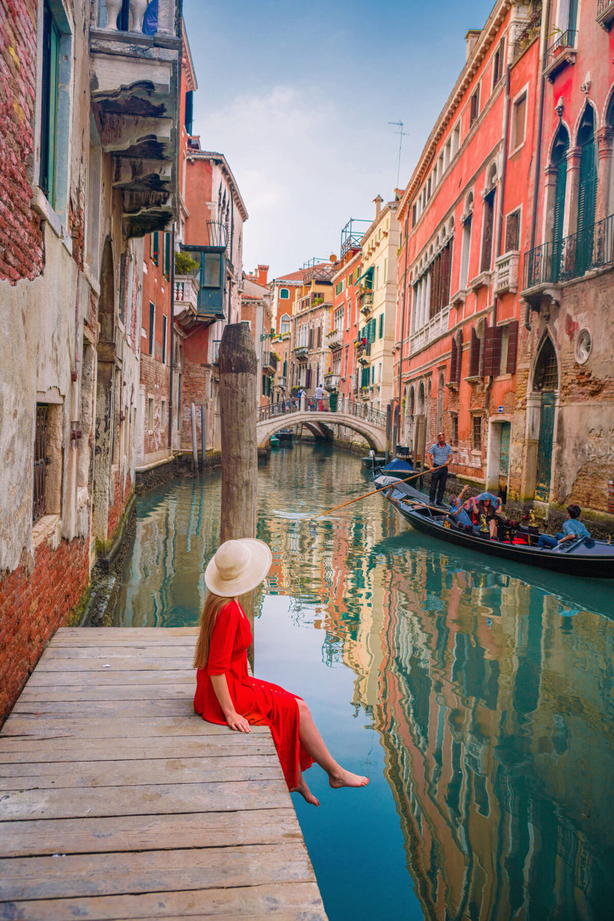 Famous Instagrammable Dock behind a hotel in Venice | best Instagram spots in Venice | Venice photo locations | Italy travel tips | Tips for planning a trip to Italy | Venice picture locations