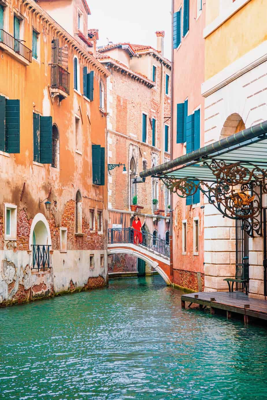 Lesser-known Instagram place in Venice Italy behind famous Theatre | bridges in Venice for photos | Venice photography spots | prettiest places in Venice italy