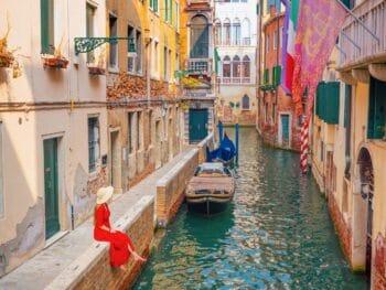 Ponte de La Verona is one of the secret Instagram spots in Venice | pretty instagram locations in Venice Italy | canals in Venice | best photo locations in Venice | prettiest spots in Venice for Instagram photos
