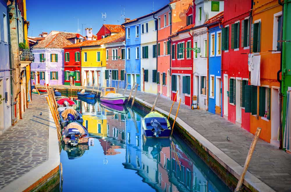 Beautiful Rainbow canals of Burano Venice | best Venice photo spots | Burano island in Venice | pretty places to see in Venice
