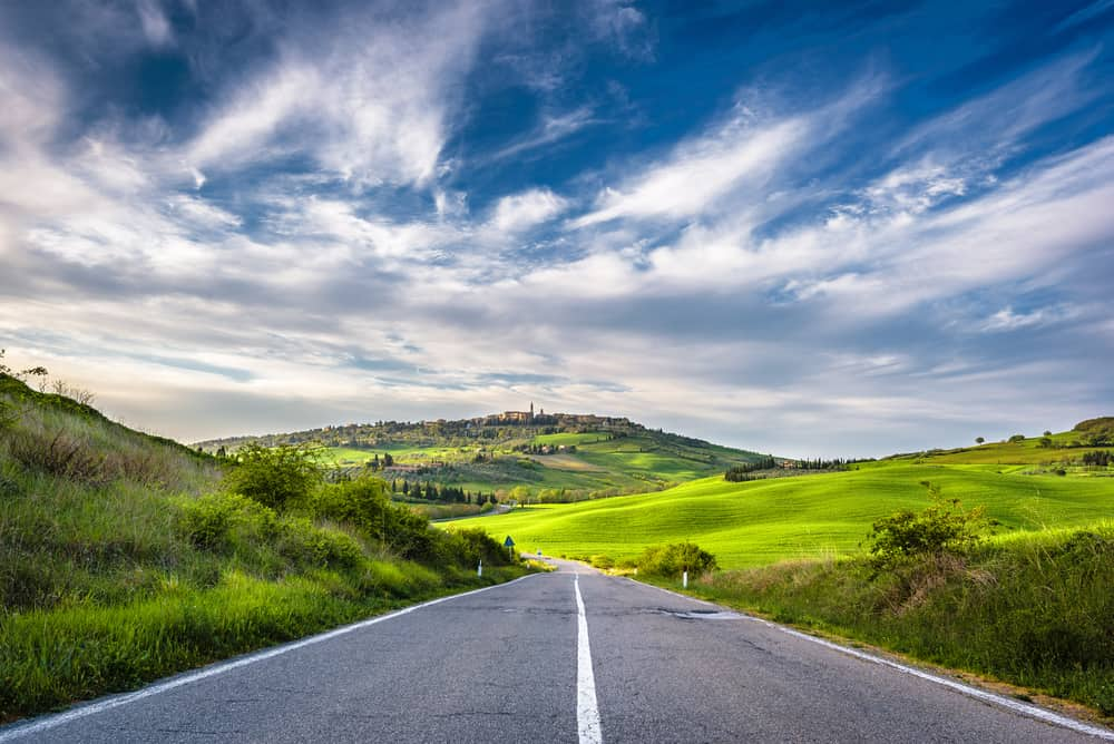 Photo of the road to Pienza.