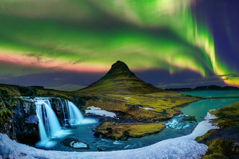 the Northern Lights during your 4 days in Iceland