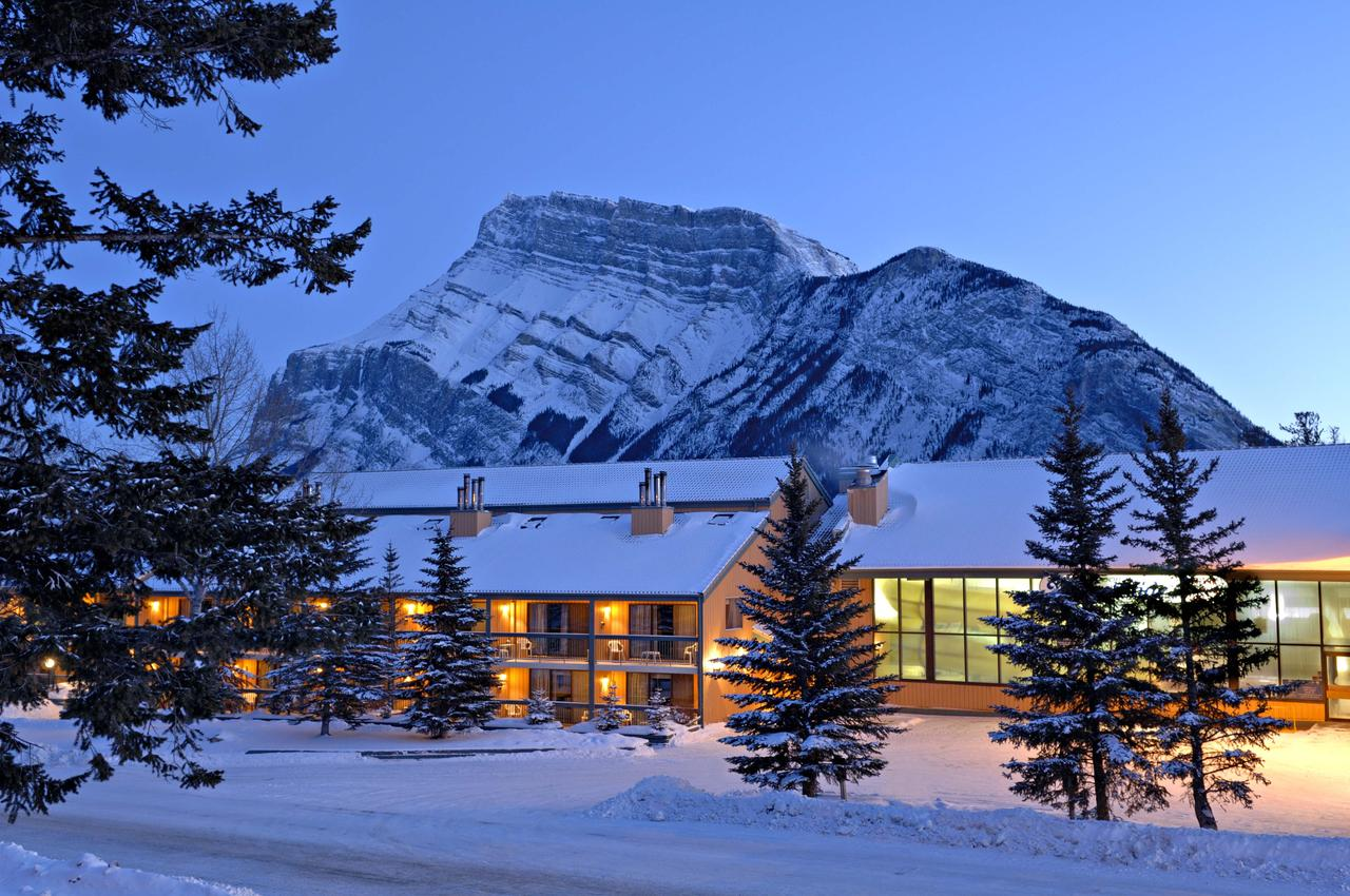 Banff in winter has so many pretty hotels and resorts to stay at!