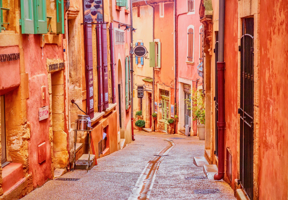 The materials of the buildings in Roussillon make it one of the most unique French towns