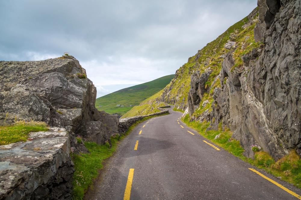 Photo of road along Slea Head drive.