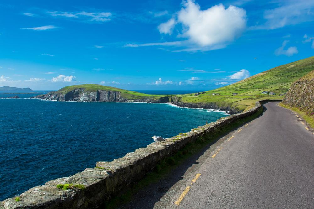 The road along side the ocean on Slea Head Drive