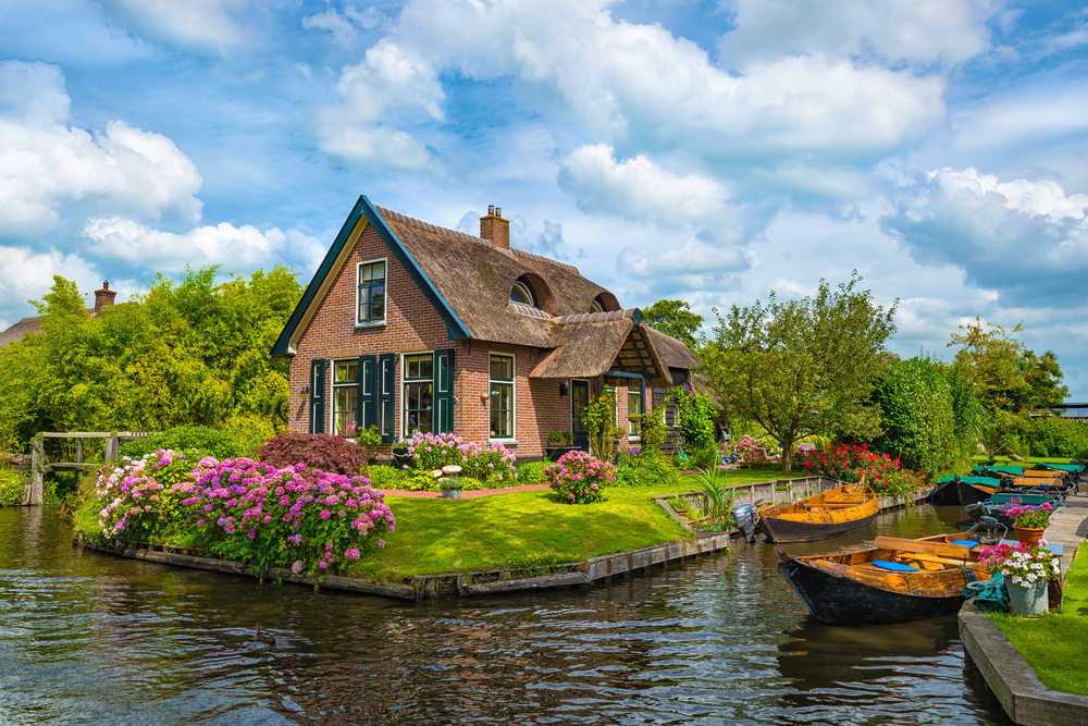 Day Trips From Amsterdam Giethoorn