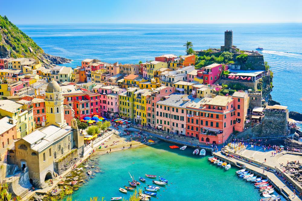 colorful buildings of Vernazza Cinque Terre