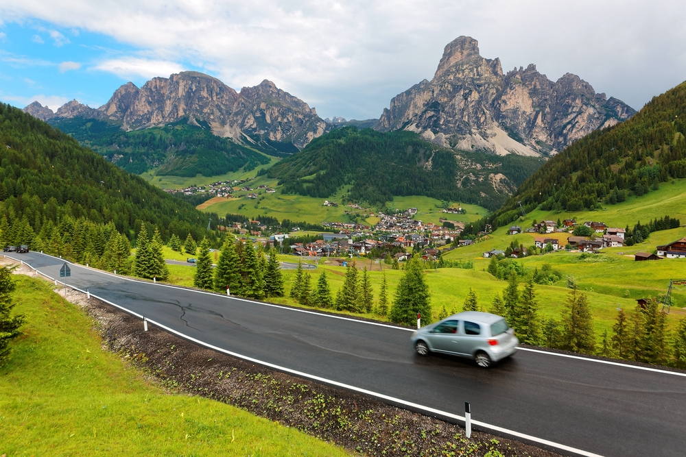 Photo of Italian roadway.