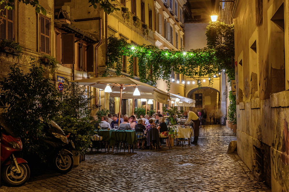 Photo of street dining in Rome.