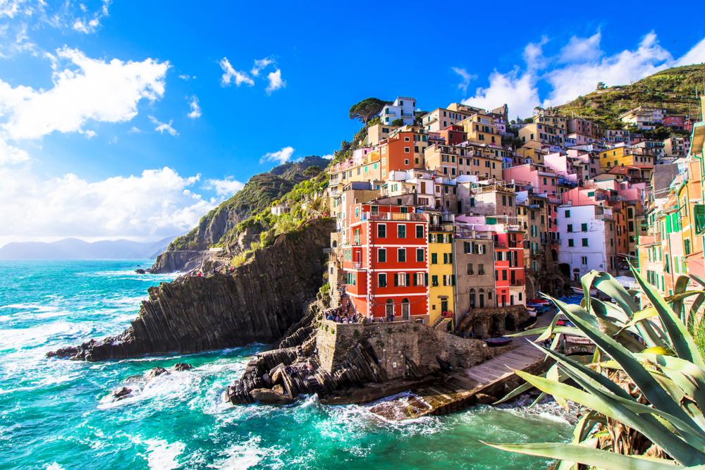 Cliff Jump in Riomaggiore