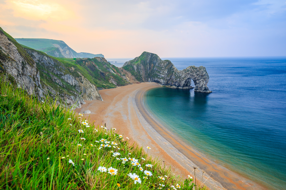 photo of durdle door, a natural limestone arch located in Dorset, southern england
