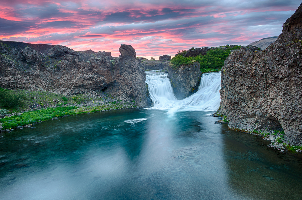 the double waterfall in Iceland Hjalparfoss