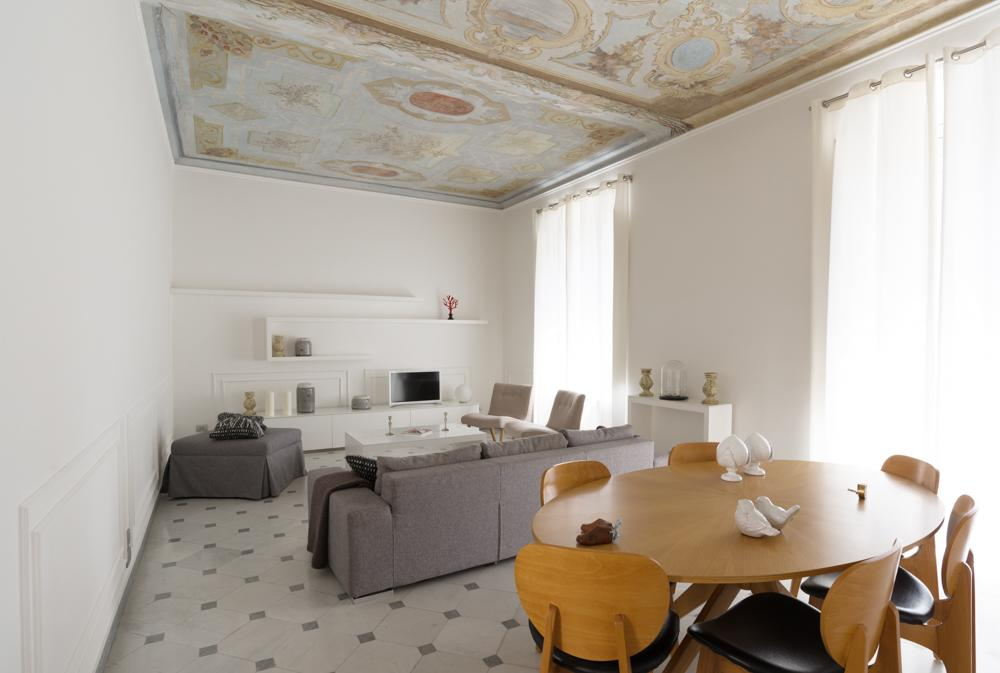 Look at the beautiful floors and ceiling in Via Chiodo Luxury Apartment! It's one of the most unique luxury hotels in Cinque Terre
