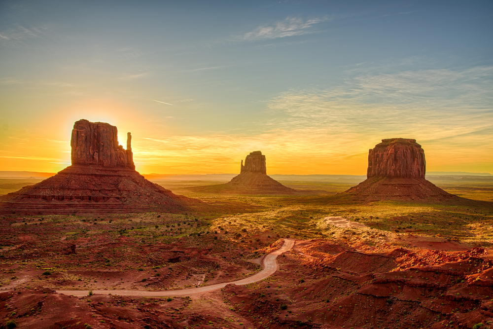 Monument Valley offers great look out points and panoramic views
