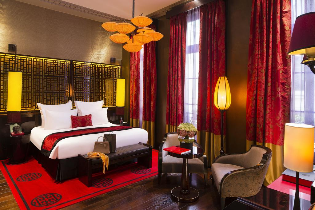 Photo of guest room at Buddha-Bar Hotel Paris.